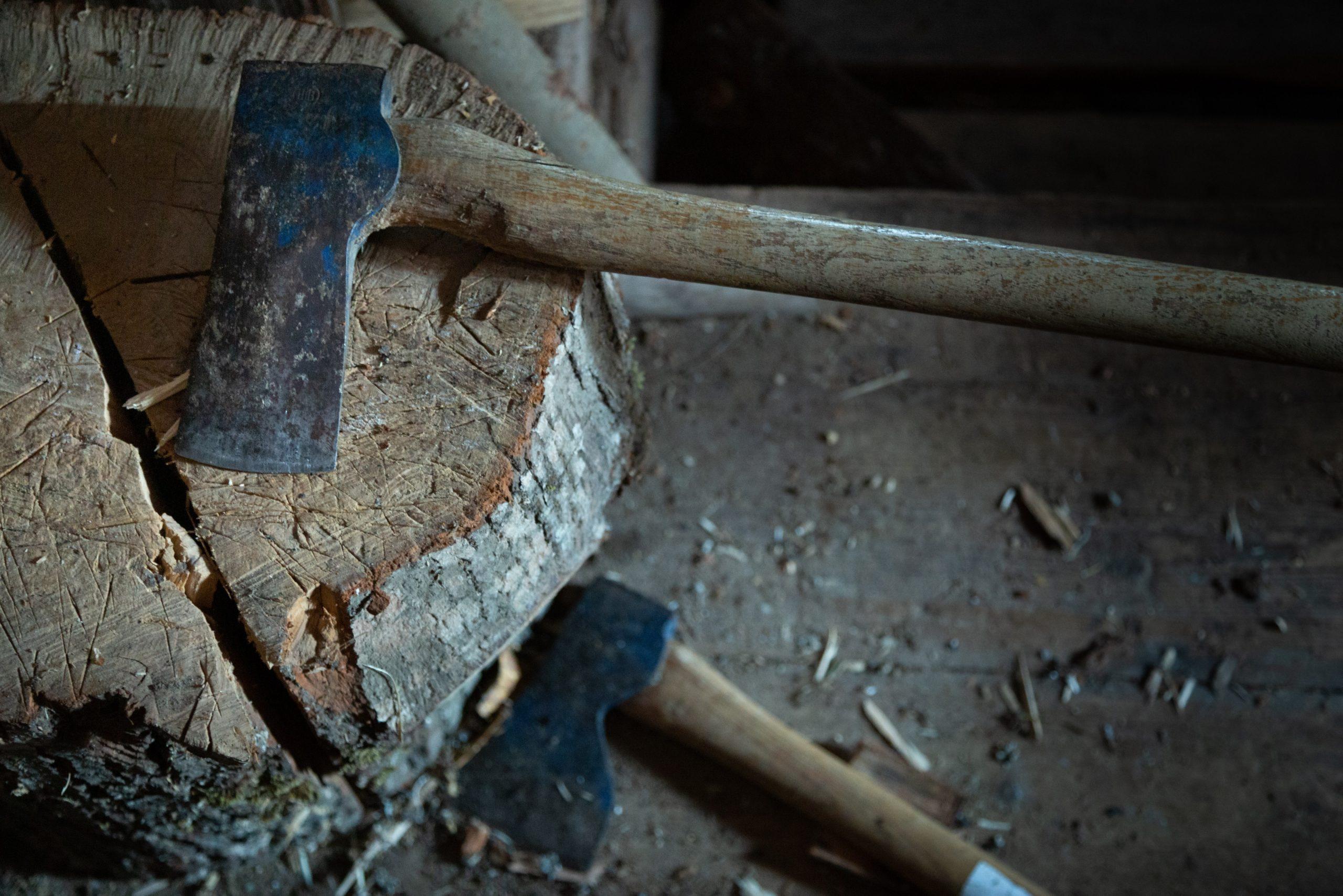 Jak wybrać wytrzymałe trzonki do narzędzi?